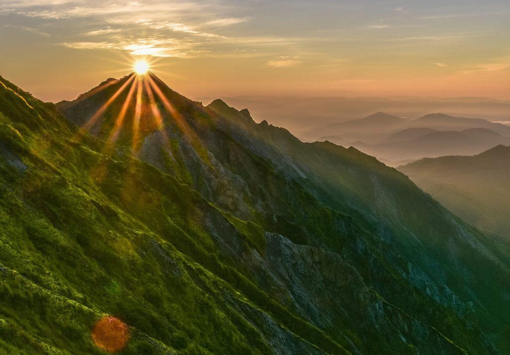 山頂からのダイヤモンド朝日