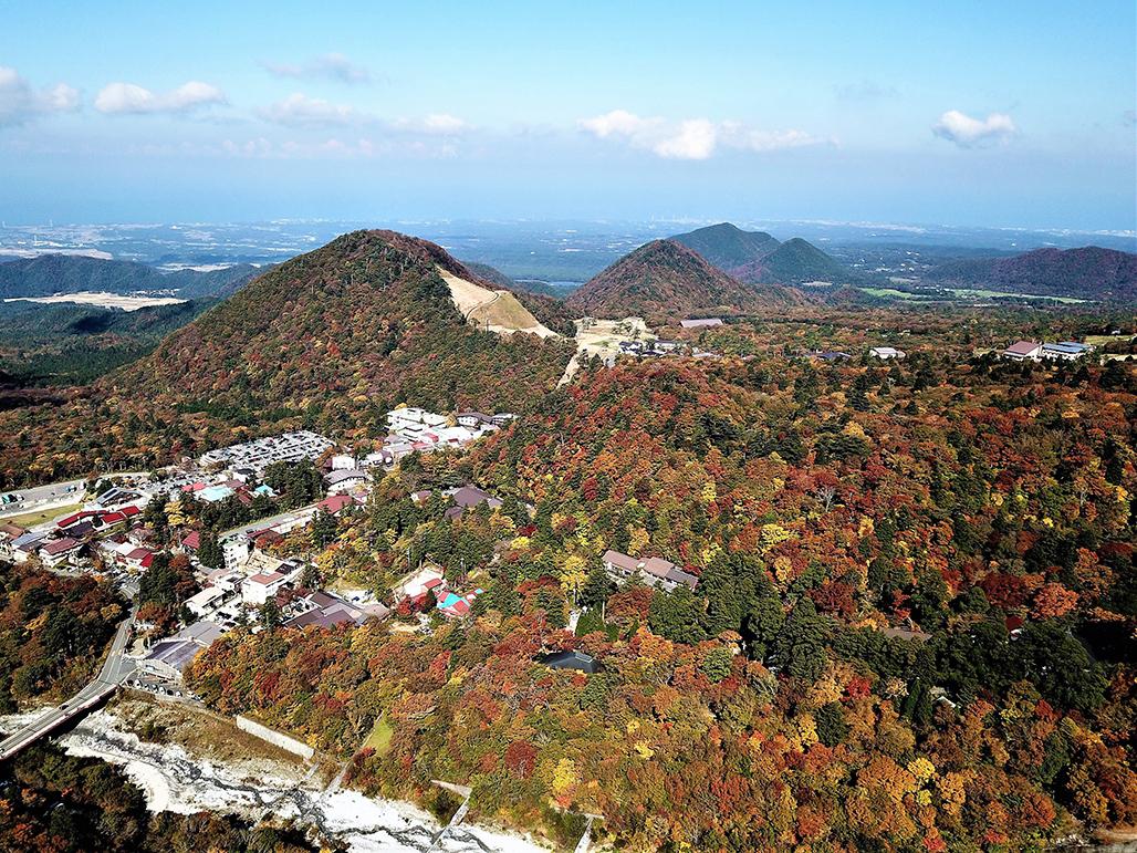 大山寺上空から日本海を望