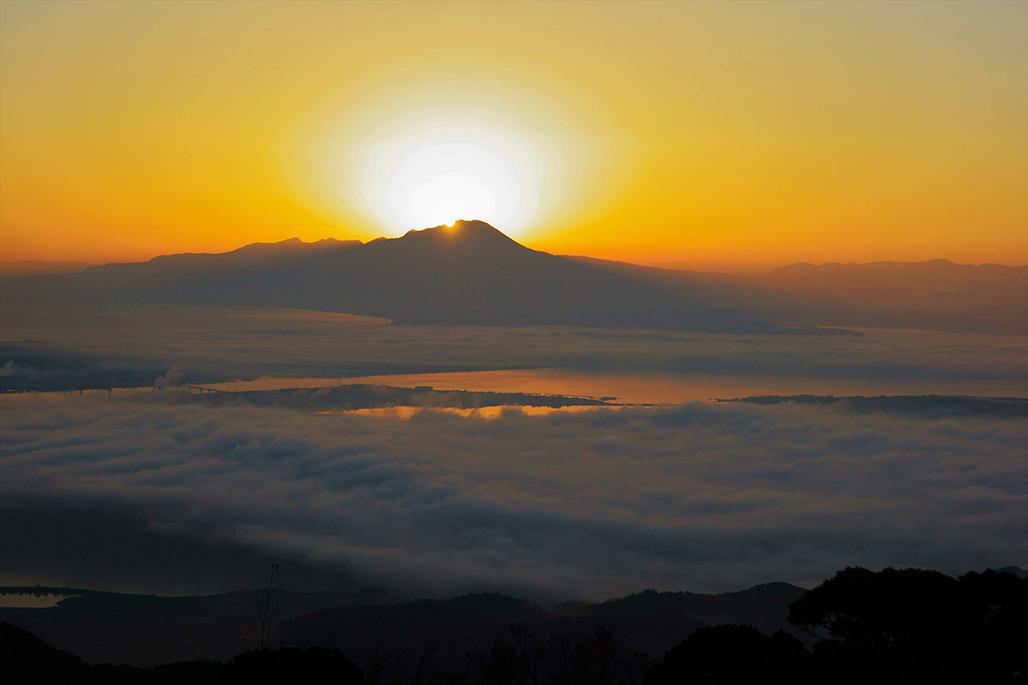 ダイヤモンド大山と雲海